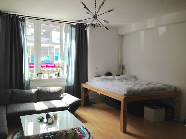 Spacious room in Berlin-Mitte