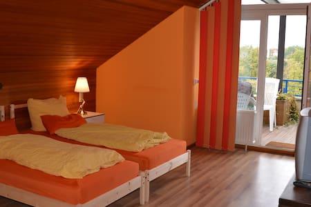 Penthouse mit Terrace mit Panoromablick - Bad Salzuflen - Apartment
