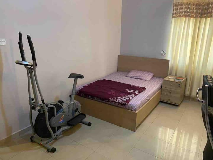 ENSUITE ROOM WITH DOUBLE BED+WIFI @JABI ABUJA