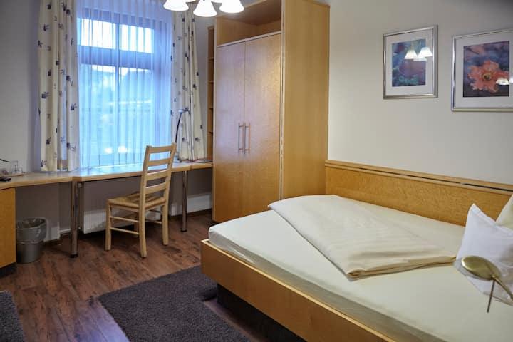 Rebstock Kappelwindeck, (Bühl), Einzelzimmer