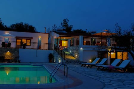 Peace and Quiet at Cyprus Country Holidays - Vavla - Bungalow