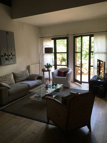 HOUSE with GARDEN in BORDEAUX - บอร์กโดซ์ - บ้าน
