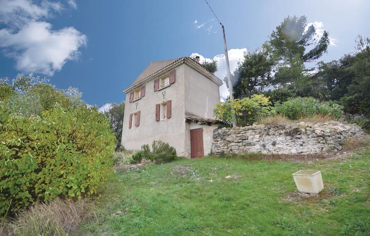 Holiday cottage with 2 bedrooms on 53m² in Grambois