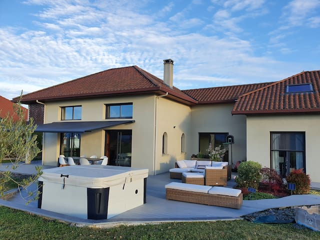 Grande villa avec vue