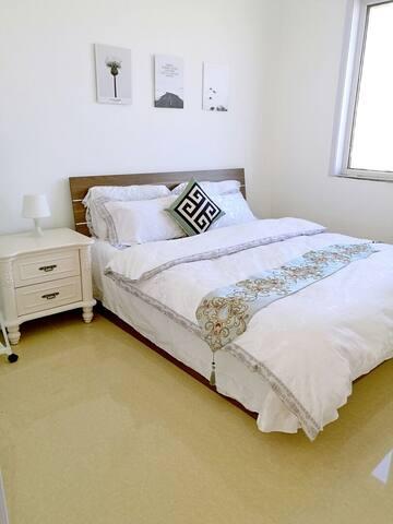 英伦式高档住宅欧式精装修大床房低调的奢华