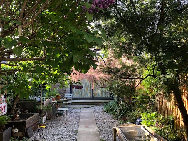Private bohemian Garden Studio in London-UK