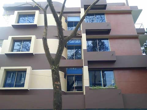 Modern 3 Bedroom Apartment, Close to VIP Road