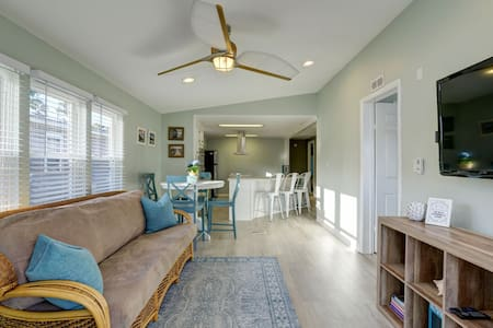 Beautiful Beach home with golf cart included.