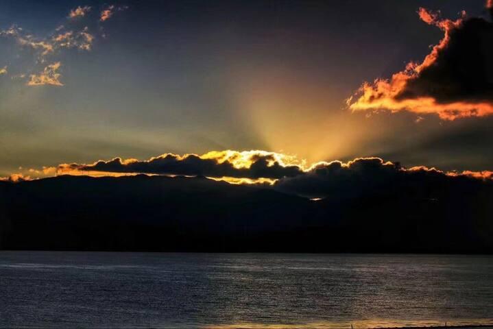海景房内可以看到的日出
