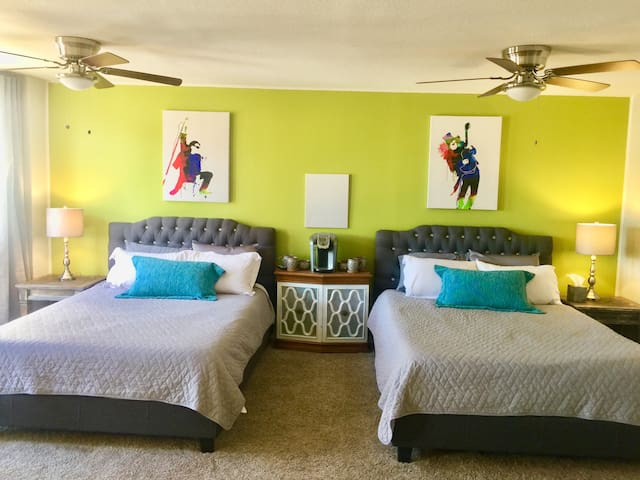 Experience Old Town Scottsdale at this Posh Condo!
