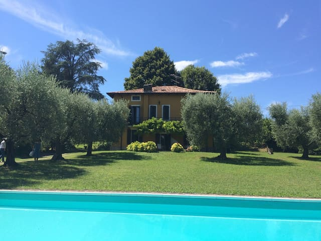 Amazing suite in private house Villa Arilù
