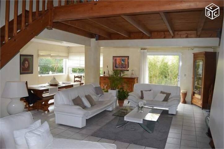 2 chambres dans Villa avec piscine - La Seyne-sur-Mer - Villa