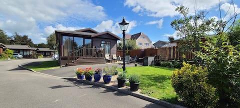 Superb Lodge, Glamorgan heritage coast - S.Wales