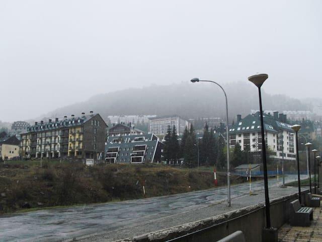Apartamentos Candanchu (PHONE NUMBER HIDDEN) - Candanchú