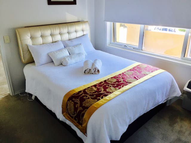 Comfy Private room Near White Beach & Shops - Torquay - House