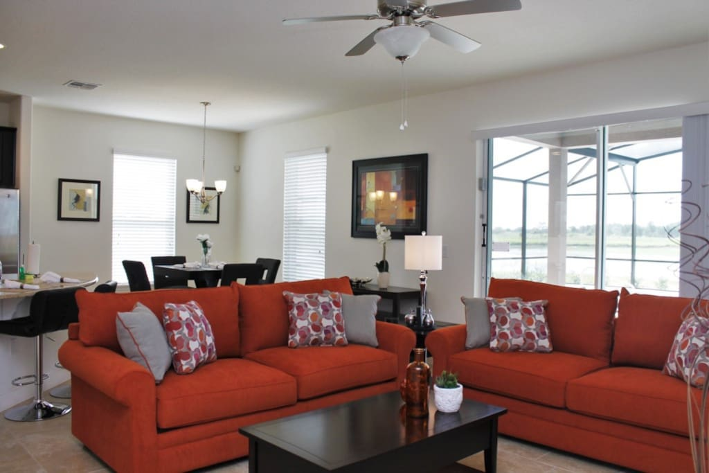 Open and Modern Living Room Area, Large Comfy Couches, Plenty of Seating!