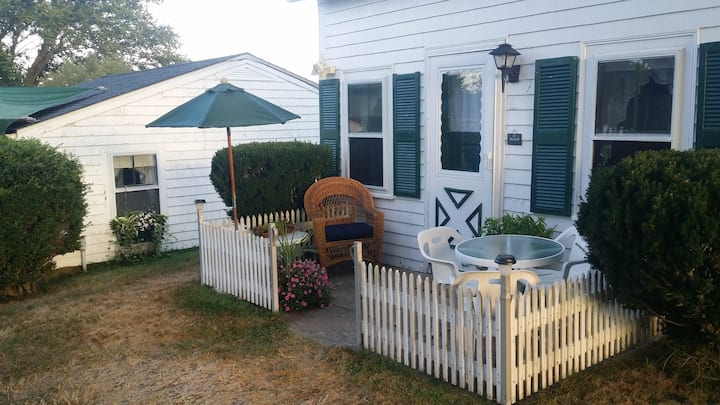 The Harbourview Block Island, Captain's Cottage
