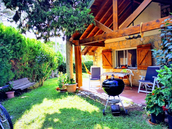 Anoia (Barcelona). Entire, charming guest house.