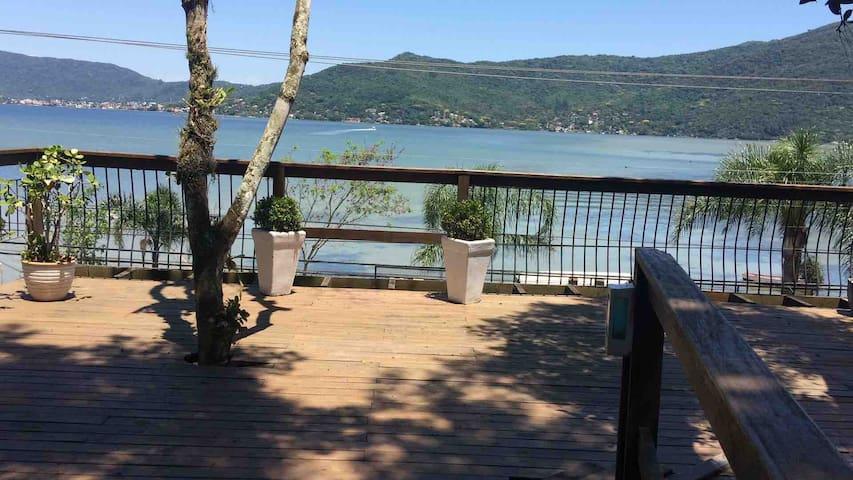Suite1 com espetacular visual da lagoa Conceição
