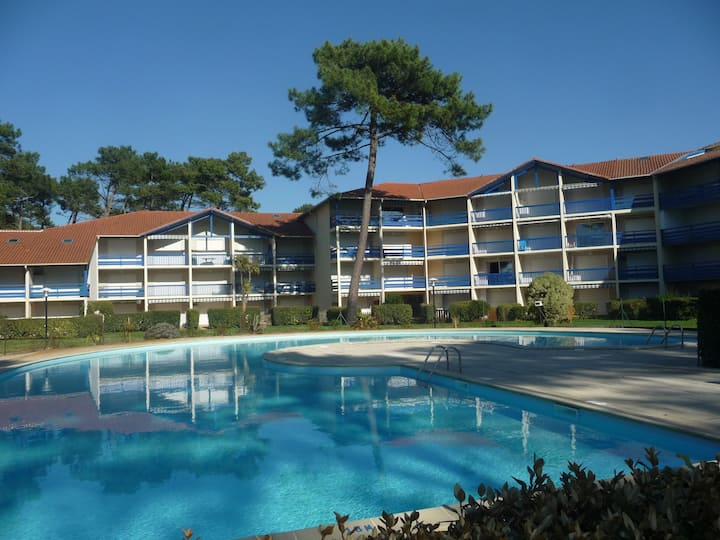 SOUSTONS PLAGE, nice apartment for 6, by the lake