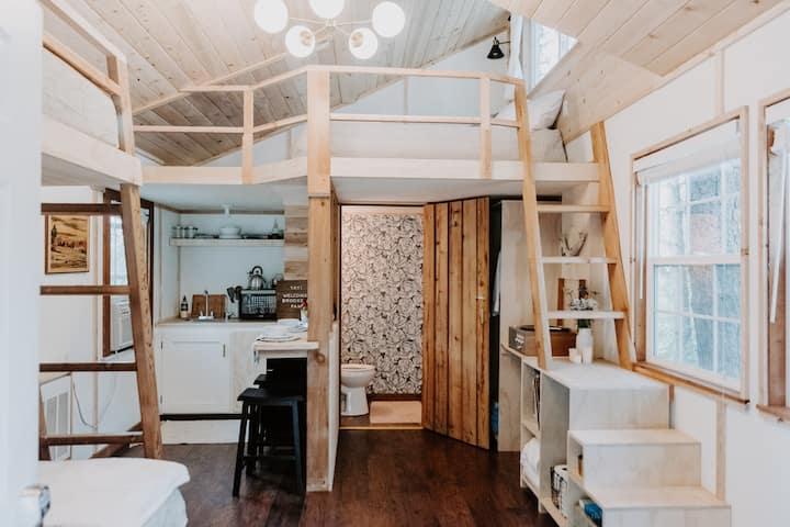 Sixty Chapel's Modern Cabin #10