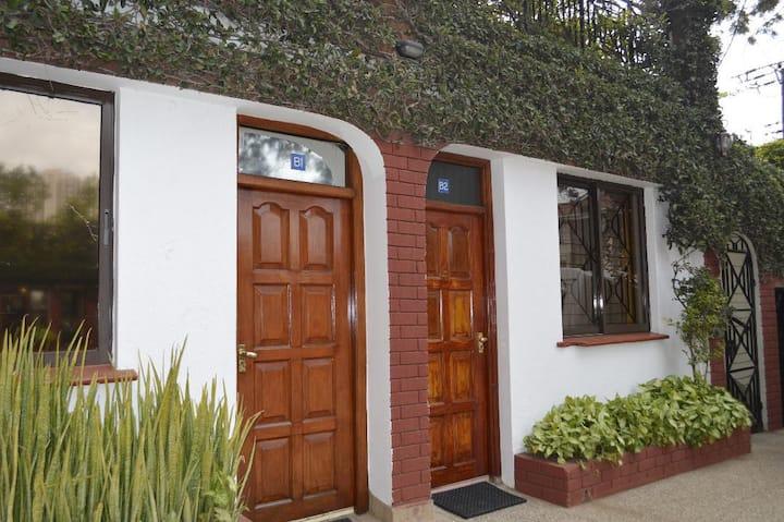 B2 studio 1 bedroom Apt fully furnished & serviced