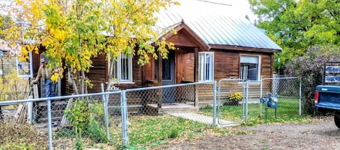 Cozy Home Down Town Pagosa Springs, Pets allowed.