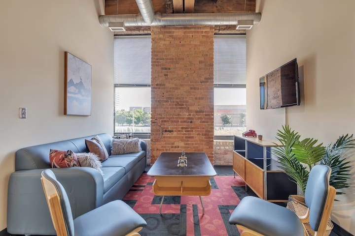 Historic West Loop Loft // In The Best Location
