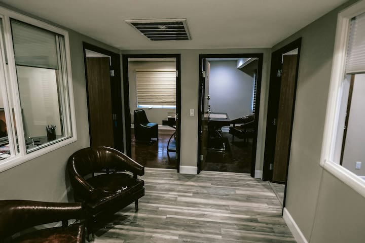 2 separate executive suites for 4 guests in total