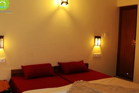 Thekkady homestay Private Double Deluxe Room - Kumily