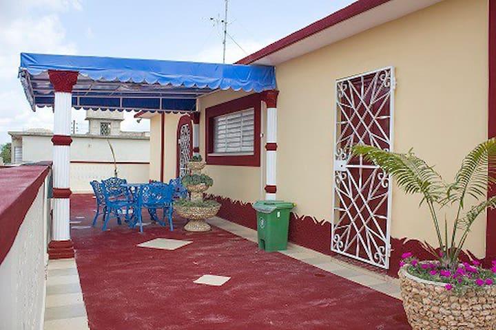 Villa Aned Renta de Habitaciones