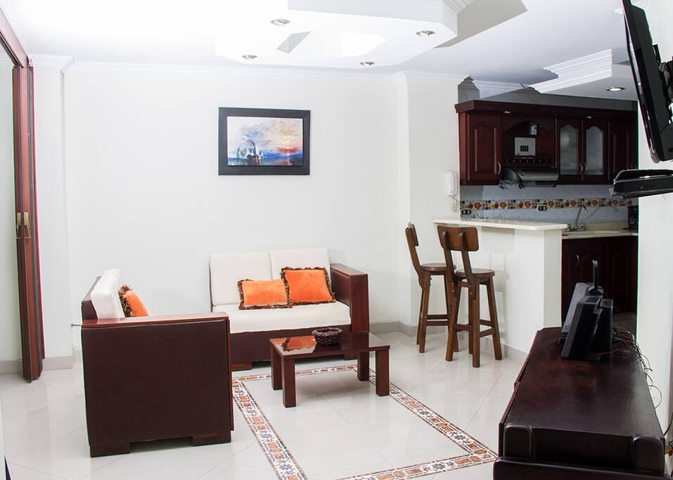 Apartaestudio 101, ubicado en el primer piso, cuenta con aire acondicionado, sala, comedor tipo americano, cocina completamente dotada, un baño y zona de ropas.