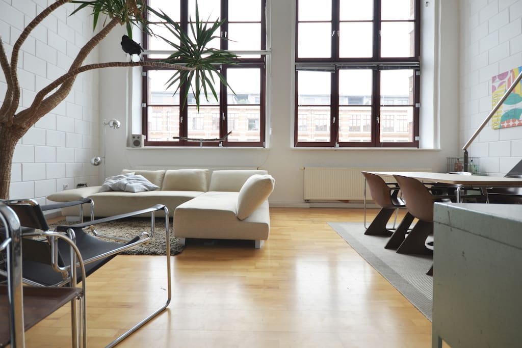 industrial loft with riverview lofts for rent in leipzig sachsen germany. Black Bedroom Furniture Sets. Home Design Ideas