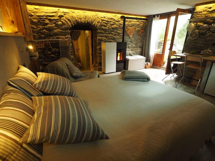 Grange Epiney Bed & Breakfast Suite