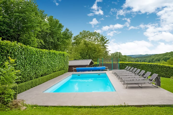 Stunning villa in Hamoir Filot with pool and garden