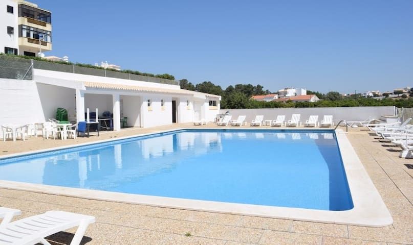 Smiths Orange Apartment, Olhos de Água, Algarve