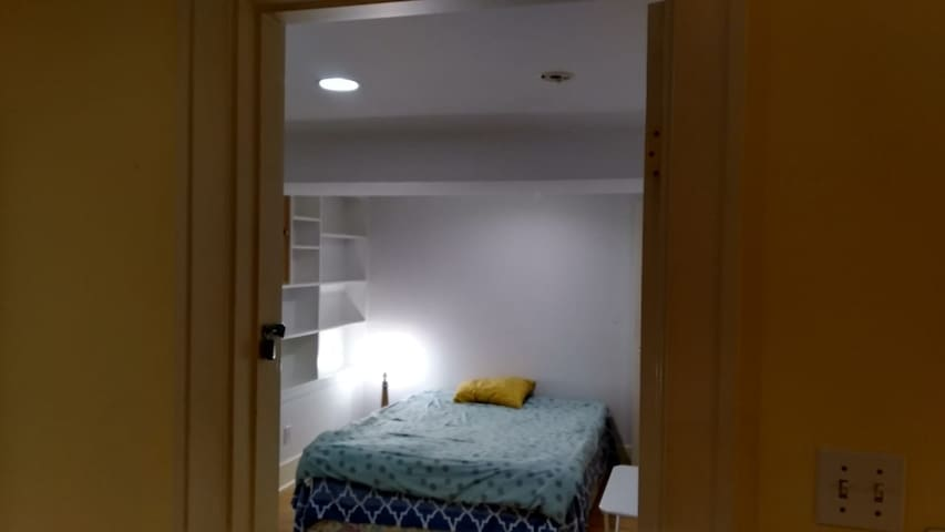 Good location private room