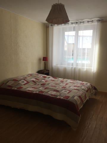 chambre 1 avec grand lit de 160 x  200