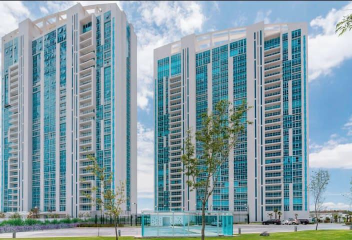 Juriquilla Towers Depa 1 recamara King Increible