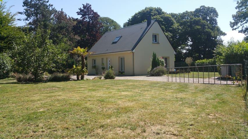 Maison et grand jardin dans la campagne normande - Saint-Samson-de-la-Roque