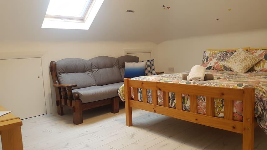 1 bedroom,private entrance, just outside Killarney