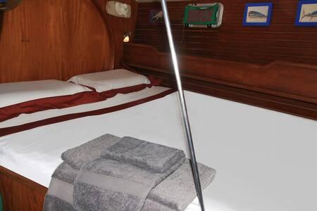 Kudra - master cabin - La Spezia - Boot