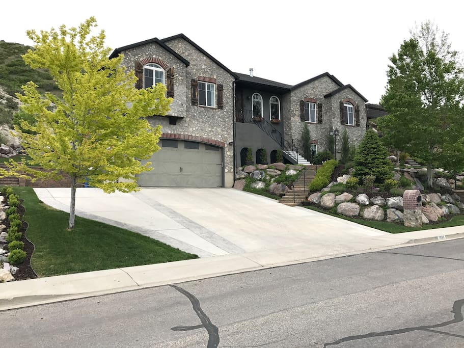 Mountain home with splendid views maisons louer orem for Cost to build a house in utah