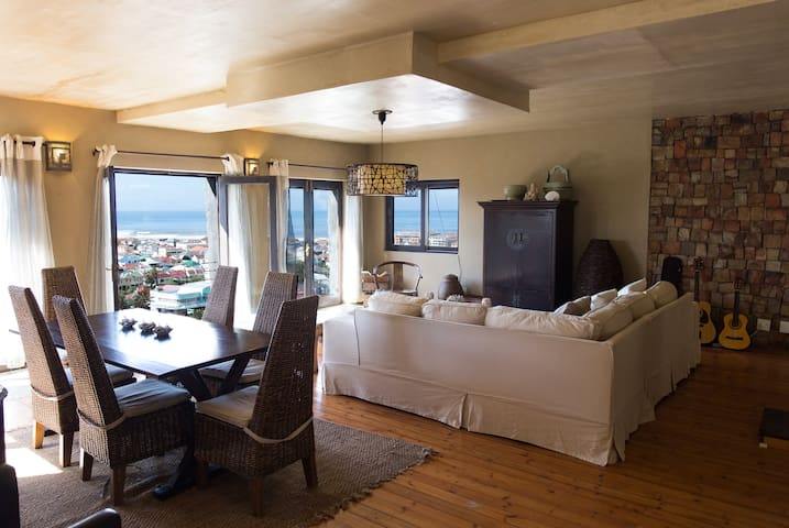 Blue horizon( Sea view room)