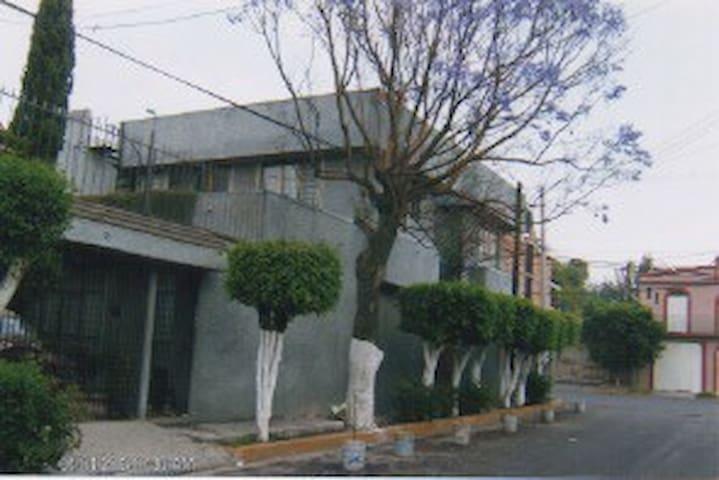 Habitaciónes en bonita casa en Jardines de Morelos