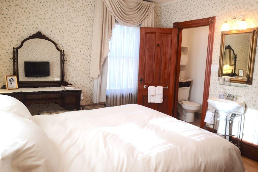 chambre lumineuse salle de bain villa victorienne maisons louer shediac new brunswick. Black Bedroom Furniture Sets. Home Design Ideas