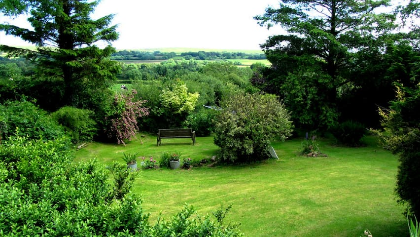 Gardens with views.