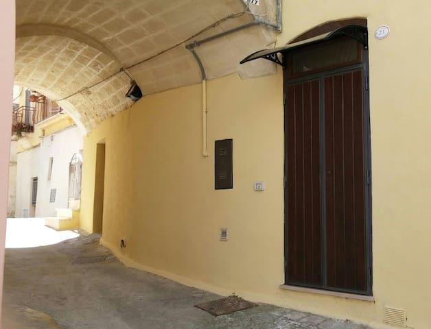 Casa Nonna Emilia - Montescaglioso - Rumah