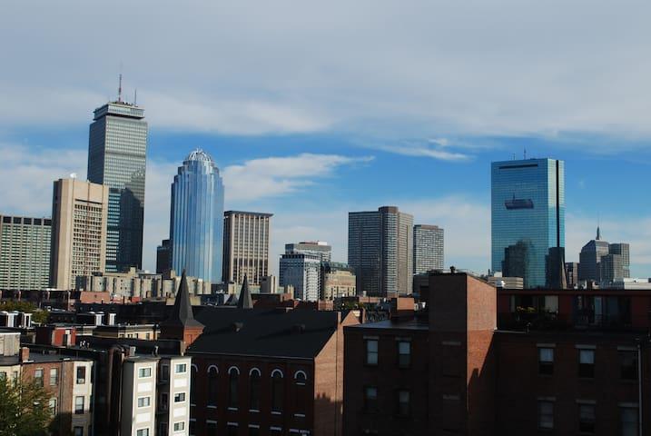 Loft with Balcony in South End - Boston - Loft