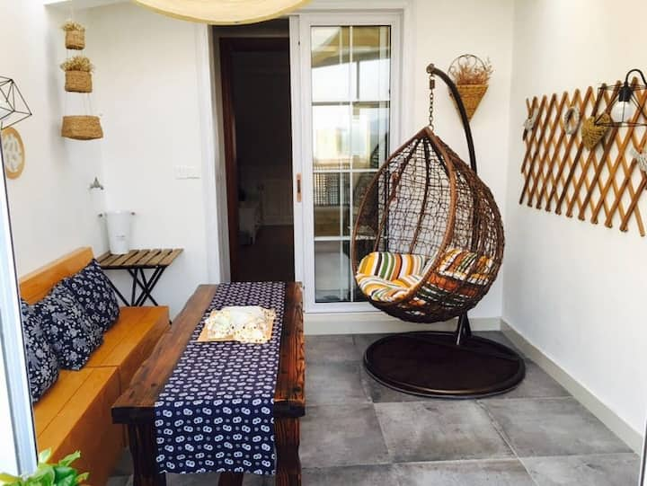 A Cozy flat with winter garden 阳光玻璃房舒适小屋